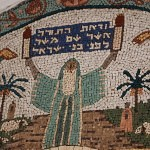 Moshe with Torah Mosaic_fin