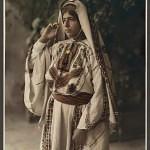 Ramallah-woman-in-embroidered-costume
