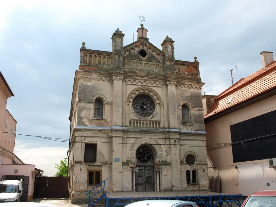 Synagogue_Senec-01