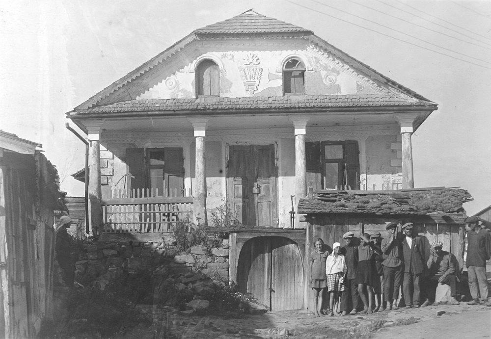 Жванец. Заезд. Фото П. Жолтовского, 1930 г. – ИР НБУВ, ф.278, № 473, л. 188.