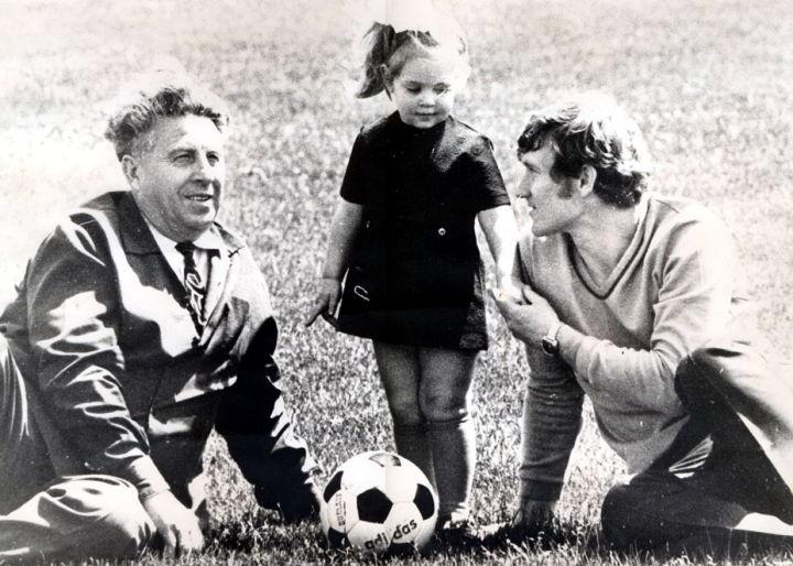 с дочкой Таней и тестем Фёдором Иосифовичем Футерманом 1975г.