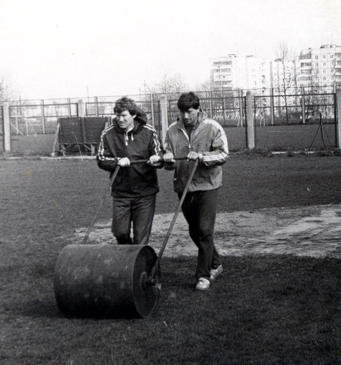 подготовка поля, с Виктором Прокопенко 1985г.